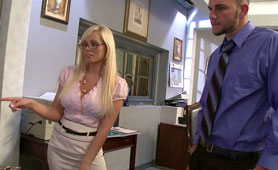 Horny Blonde Boss a Cleverly Used Meal Break - Free Office Sex