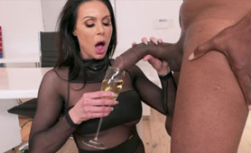 Cougar MILF Plays with a Wrong Toy