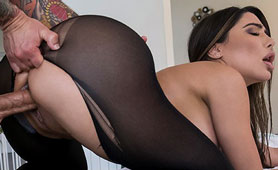 Glamour Curvy MILF Stretching Out On Massage Desk